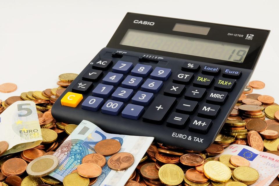 ¿Cómo calcular el valor de un bono? Bajo la Par, a la Par y sobre la Par