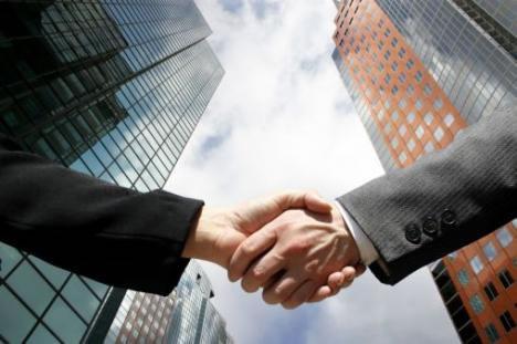 Cómo dividir las ganancias de una empresa