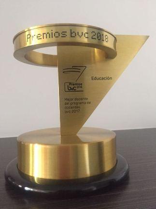Ganador del premio a mejor docente de la BVC