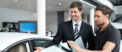 No es obligatorio el seguro de la agencia al comprar un auto
