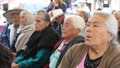 Bajarán las pensiones de adultos mayores en la Ciudad de México