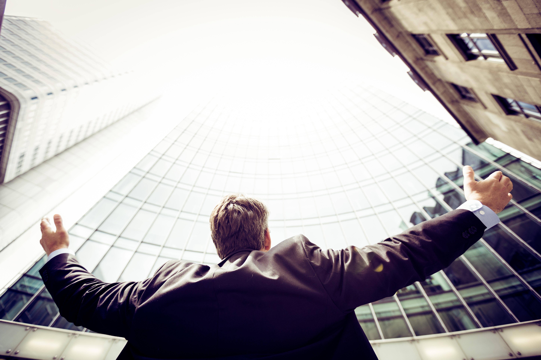 ¿Cómo convertirse en un Corredor de Bolsa?