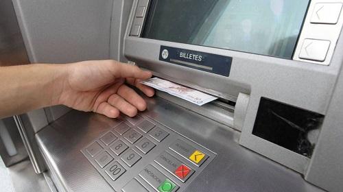 Como hacer un retiro en un banco