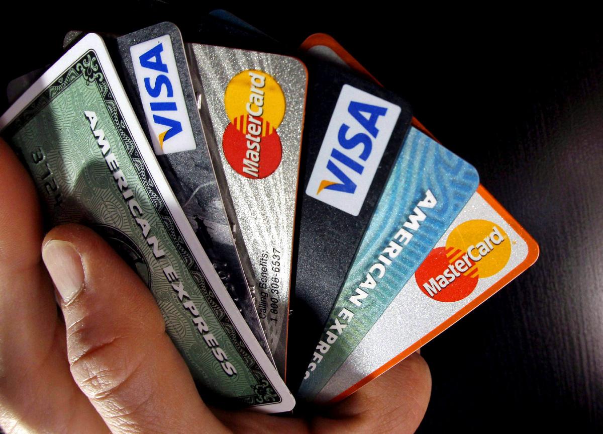 Cuantos salarios debo ganar para solicitar una tarjeta de crédito