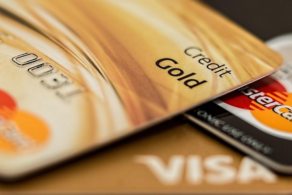 ¿Cómo solicitar una tarjeta de crédito por primera vez?