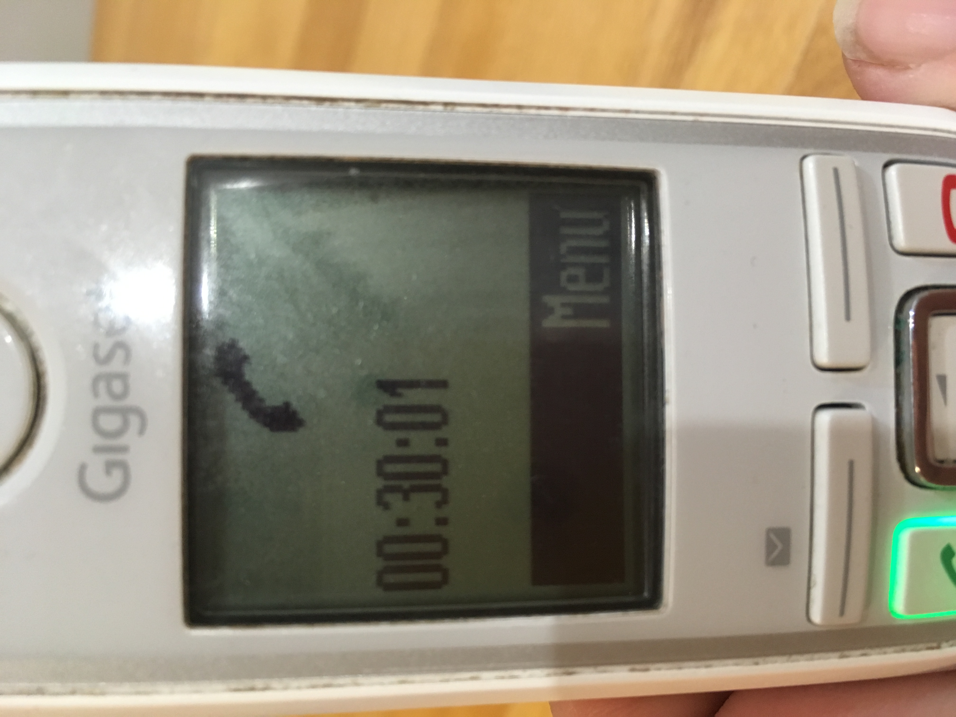Media hora para que Atencion al Cliente de Movistar coja el teléfono