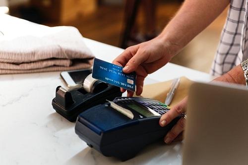 ¿Qué es amparar una tarjeta de crédito?