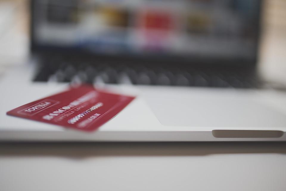 ¿Cómo sé si tengo una tarjeta de crédito retail?
