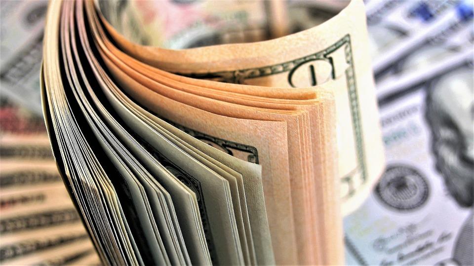 ¿Es caro o es barato invertir en acciones?