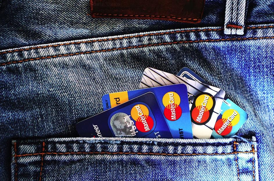 ¿Qué son las tarjetas bancarias?