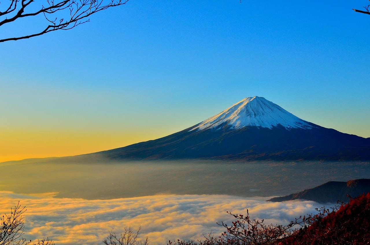 ¿Cómo apoya el seguro de auto en erupciones volcánicas?