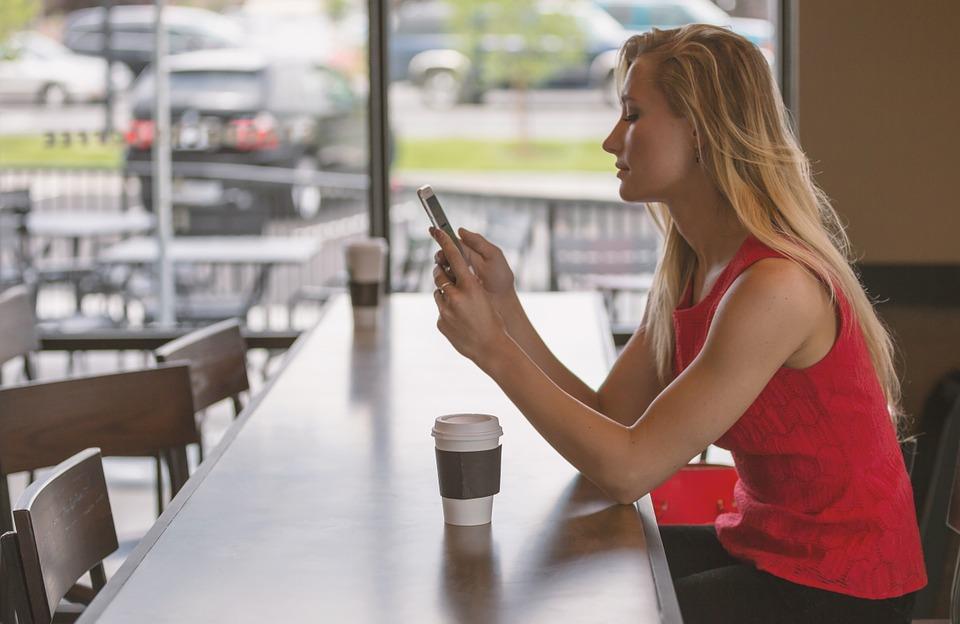 ¿Cómo registrar el celular?