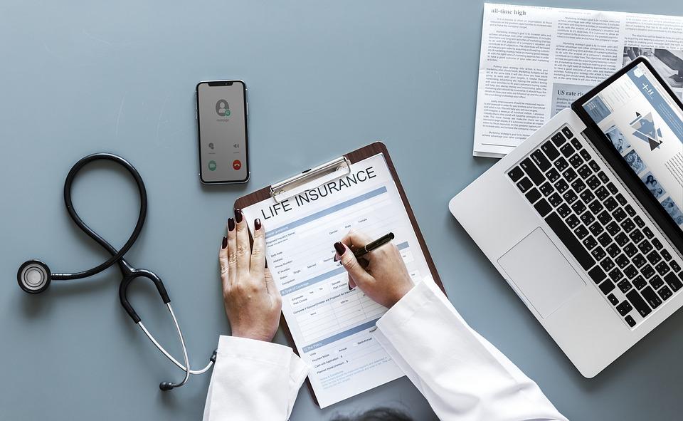 ¿Qué es y qué cubre el seguro de Vida Ley?