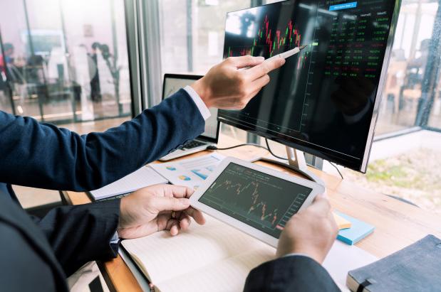 ¿Es posible operar en bolsa sin un broker?