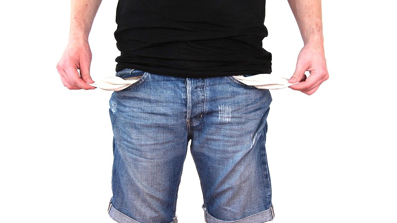 ¿Cómo ahorrar para salir de deudas?