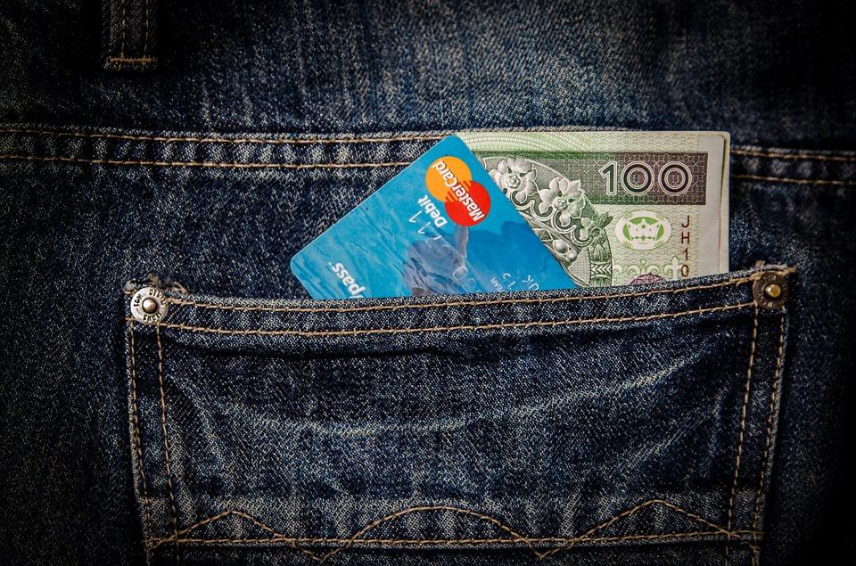 Tarjetas con avance en efectivo nacional gratuito ¿Existen?