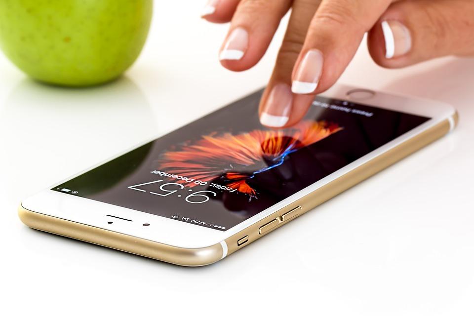 ¿Cómo pasar crédito de celular a celular?