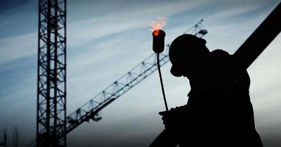La producción industrial se recupera parcialmente