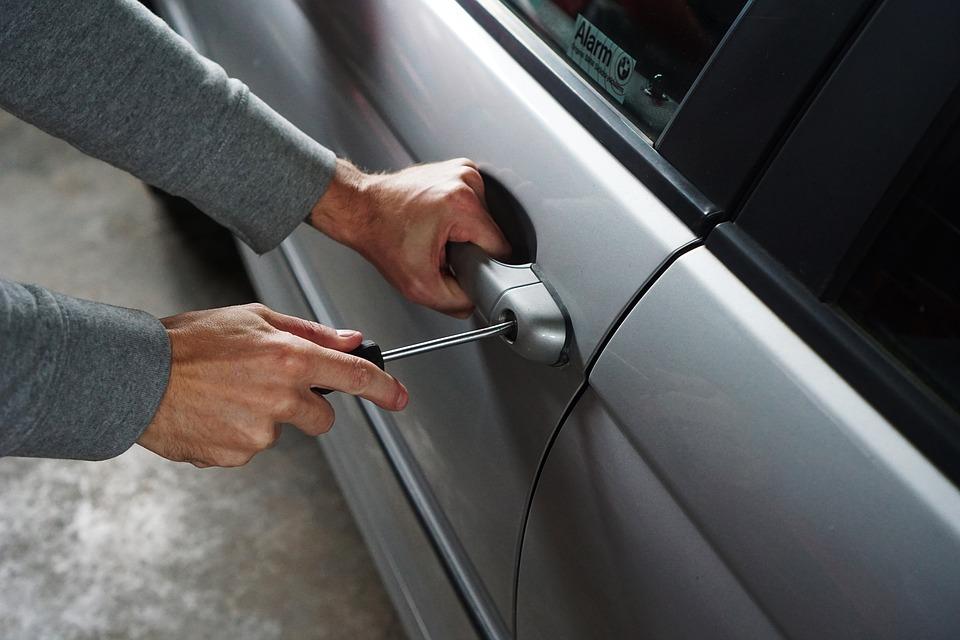 ¿Qué pasa si roban mi auto y está asegurado?
