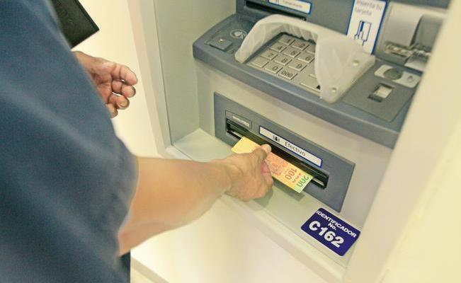 ¿Qué es un avance en la tarjeta de crédito?