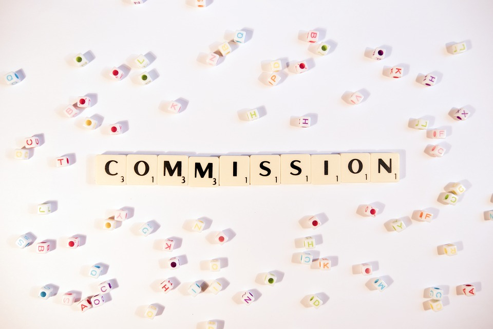 ¿Qué comisiones cobran los fondos mutuos?