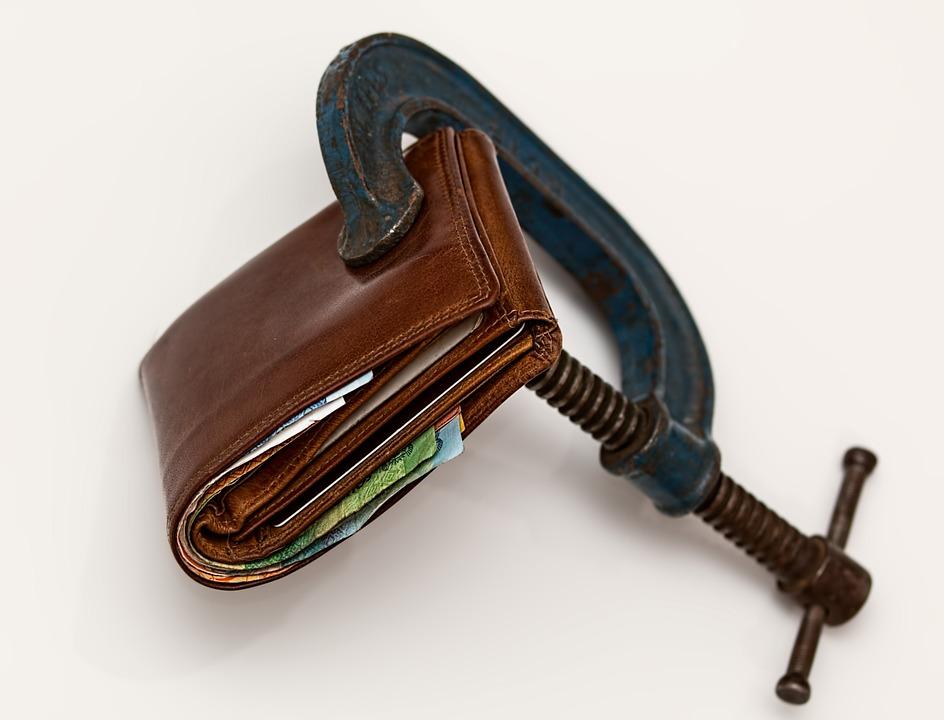 ¿Es bueno pedir un crédito para pagar deudas?