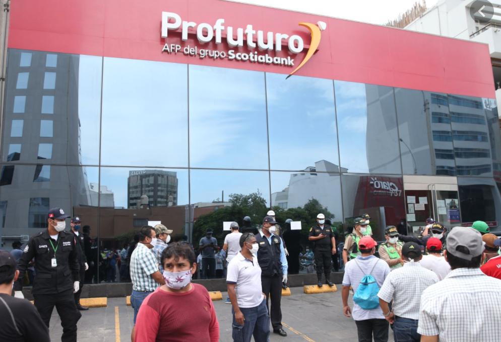 Perú toma la iniciativa de autorizar el acceso a los fondos de pensiones