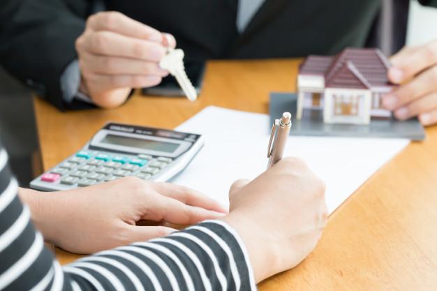 ¿En qué se diferencia un préstamo hipotecario de un préstamo con garantía hipotecaria?