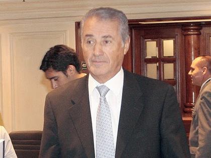 3.Julio Ponce Lerou