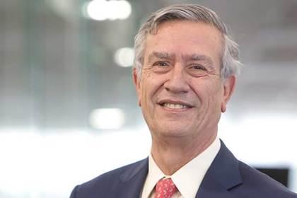9. Luis Enrique Yarur Rey